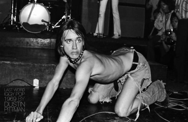 Iggy-Pop-in-a-crazy-mood