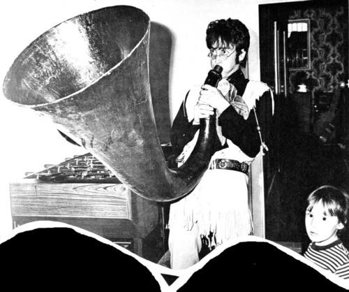 John-Lennon-and-Julian-Lennon