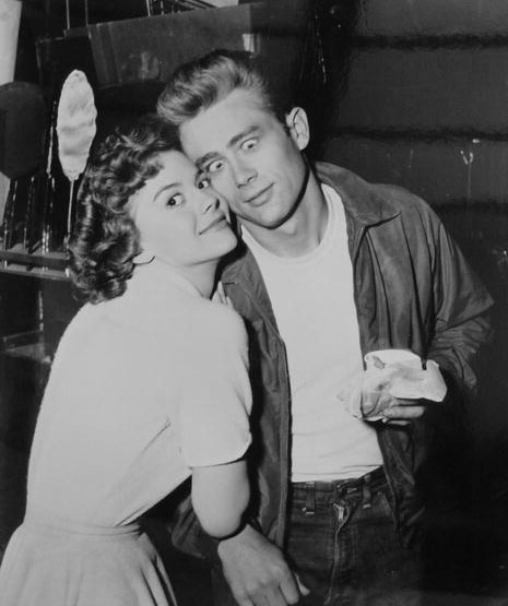 Natalie-Wood-and-James-Dean-during-the-filming-of-Rebel ...