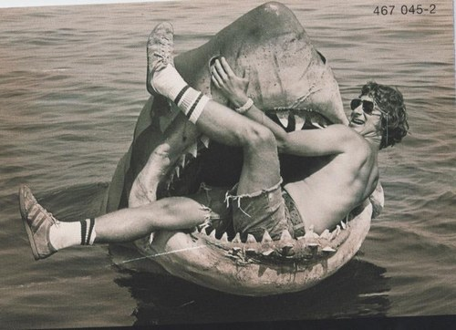 Steven-Spielberg-on-the-set-of-Jaws