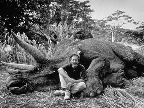 Steven-Spielberg-on-the-set-of-jurassic-park