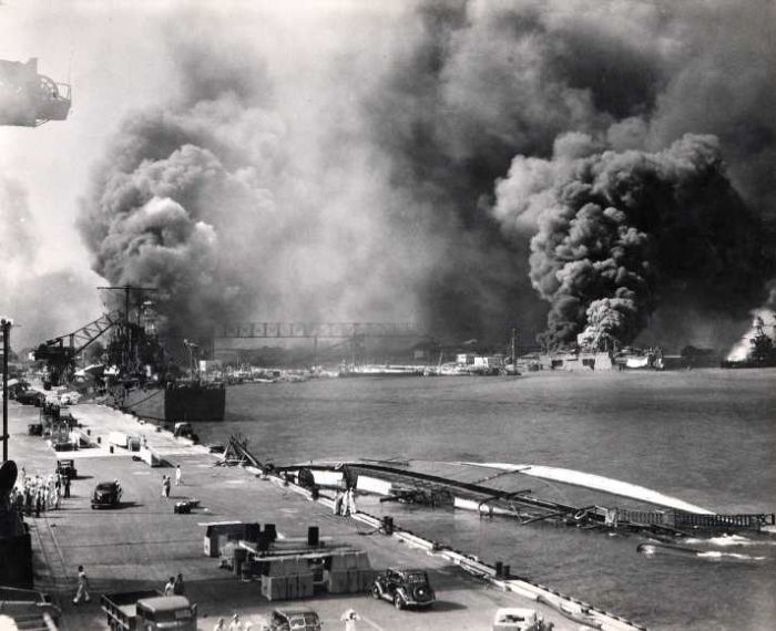 busy-day-in-pearl-harbor-ruined-by-Japanese-world-war-2
