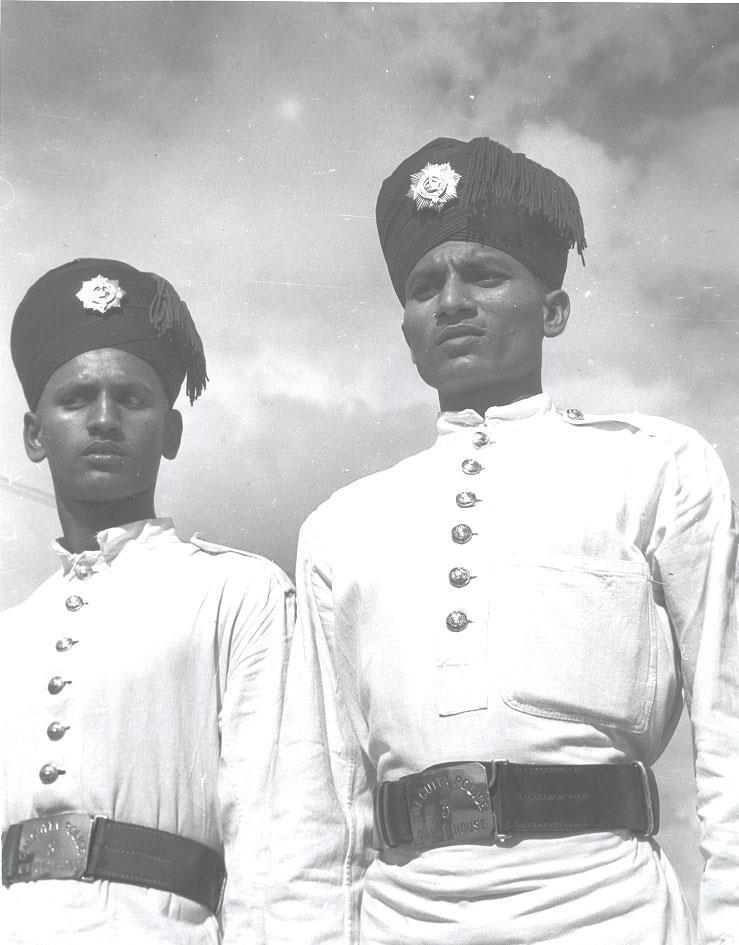 calcutta-police-on-strand-road-1944