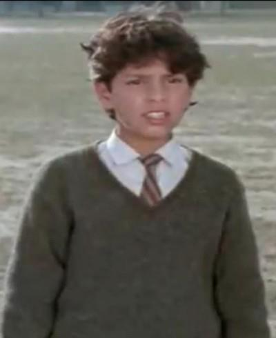 Childhood photo of yuvraj singh in school uniform.