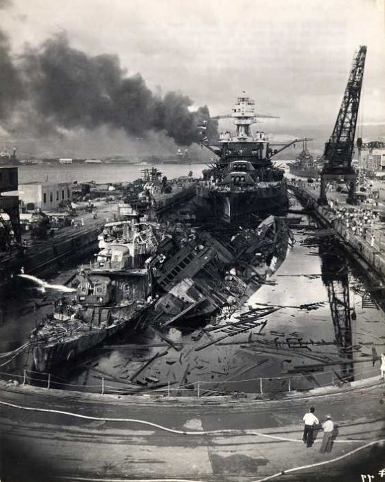destroyed-ship-in-pearl-harbor-attack-world-war-2