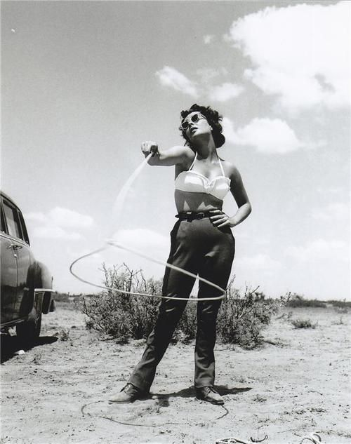 Elizabeth-Taylor-in-picnic