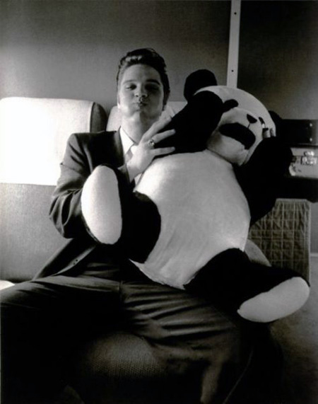Elvis-Presley-with-panda-cushion