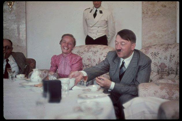 german-fuhrer-and-reichskanzler-adolf-hitler-1889-1945-right-eats-a-meal-with-his-personal-physician-professor-theodor-morell-1886-1948