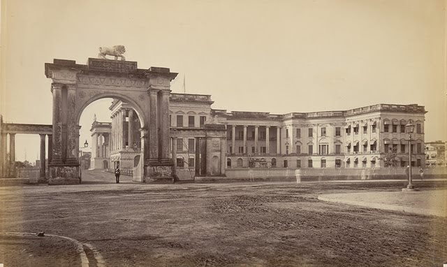 Government-House-with-the-Eastern-Gateway-Calcutta-Kolkata-1860s