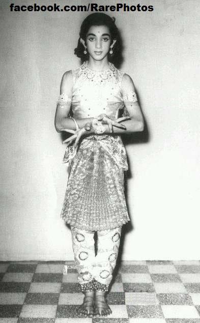 kamal-hassan-dressed-for-bharat-natyam