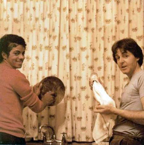 Micheal-Jackson-and-Paul-McCartney