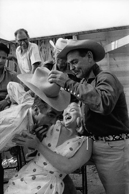 Montgomery-Clift-Marilyn-Monroe-and-Clark-Gable-from-the-set-of-The-Misfits