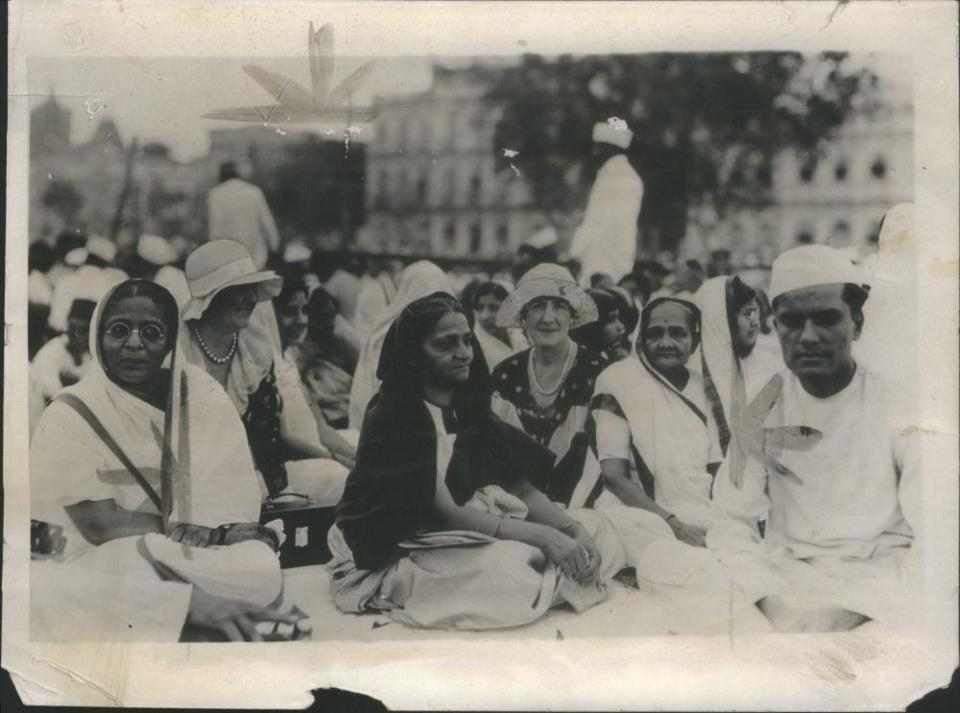 Mrs.-Kasturba-Gandhi-wife-of-Mahatma-Gandhi-Extreme-right-visits-with-American-women-during-a-political-meeting-in-Bombay-India-1931