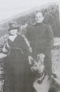 netaji-with-his-wife-probably