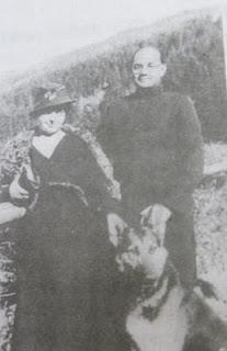 netaji-with-his-wife-probably