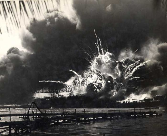 pearl-harbor-massive-bombing-by-japanese