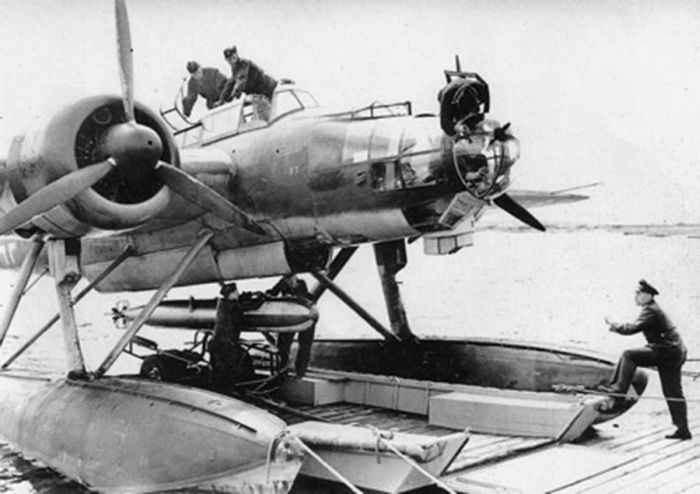 pilot-preparing-to-board-in-a-plane-heinkel-115-world-war-2