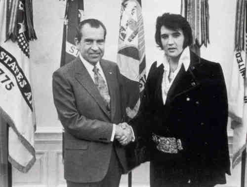 Richard-Nixon-and-Elvis-Presley