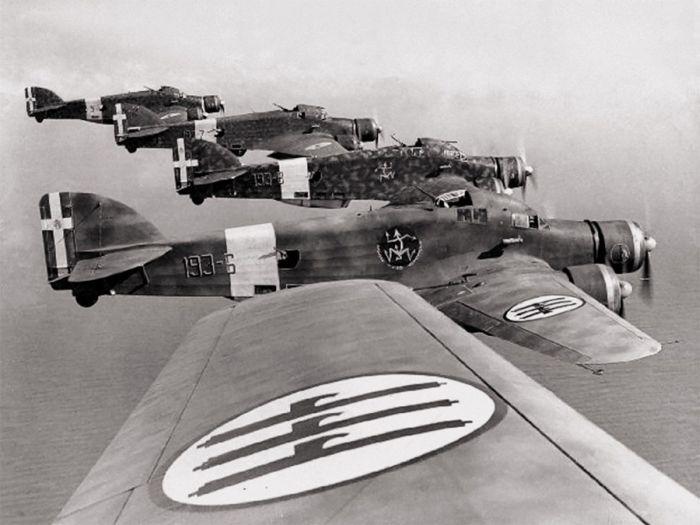 savoia-marchetti-sm-79-three-engined-italian-bomber-plane