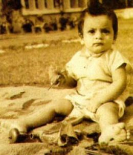 sharukh-khan-baby-photos-in-delhi