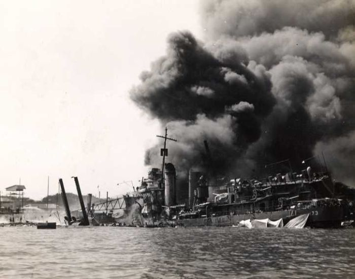 ship-in-pearl-harbor-attack-destroyed-world-war-2