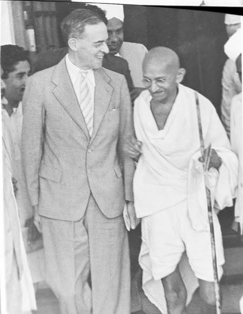 Stafford Cripps and Mahatma Gandhi - 1942