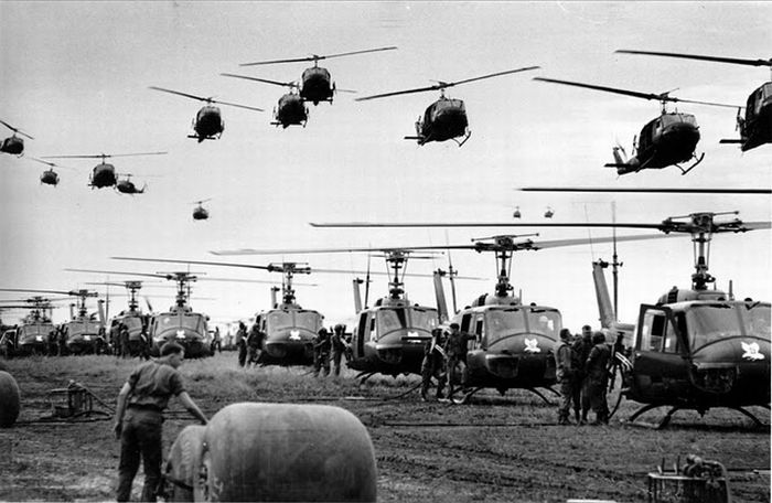 thousands-of-american-copter-attack-vietnam
