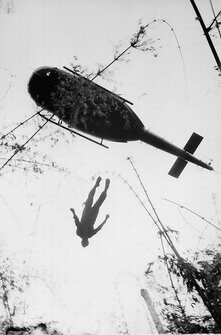 dead-body-thrown-out-of-helicopter-in-vietnam-war