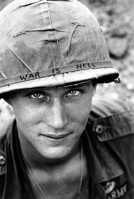 war-is-hell-a-soldier-announce-in-vietnam-war