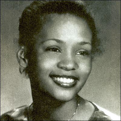 whitneyhouston-in-very-young-age