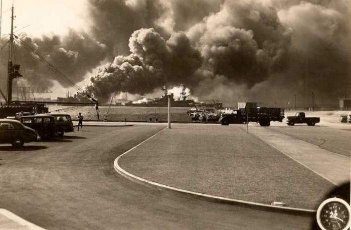 world-war-2-pearl-harbor-attacked-by-Japanese