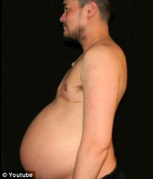 during-pregnancy-bulged-abdomen-thomas-beatie-first-pregnant-man