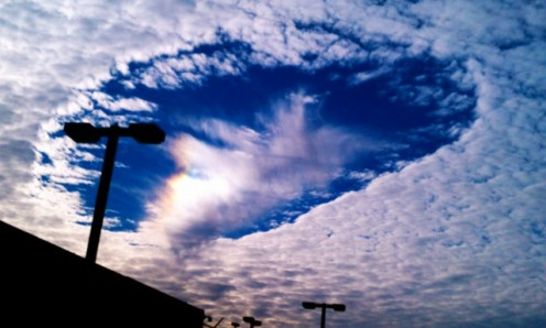 Weird cloud formation sparks UFO speculation Hole-punch-cloud