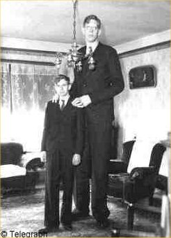 robert-wadlow-in-early-age