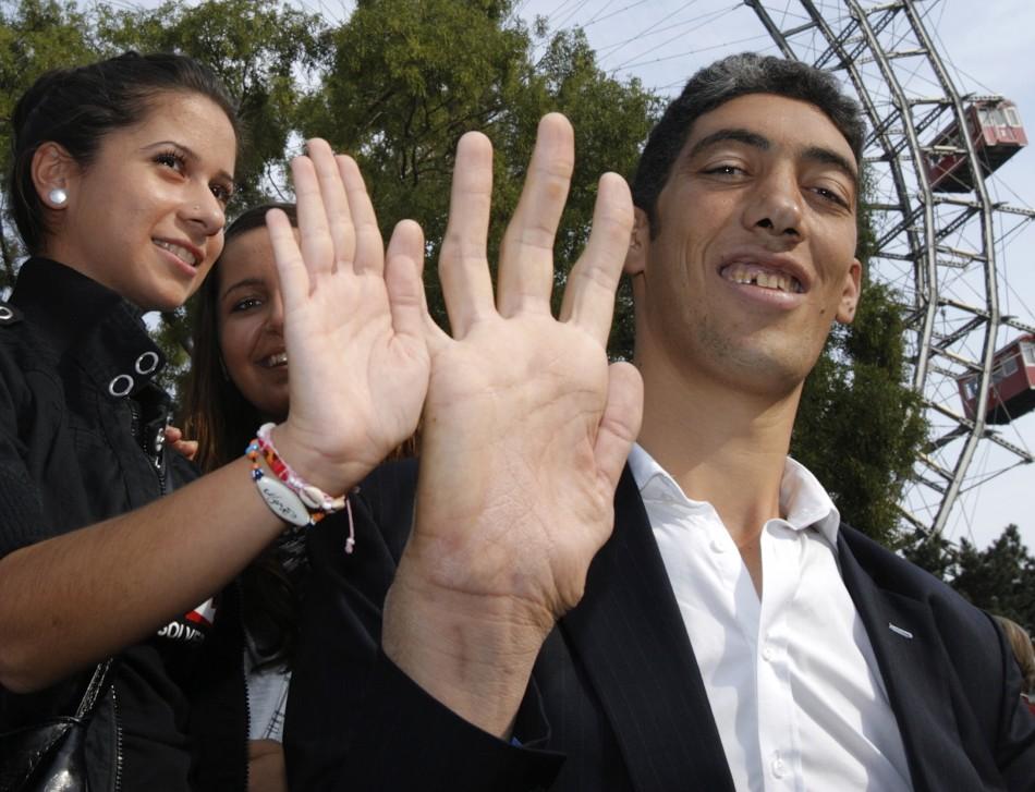 sultan-kosen hand