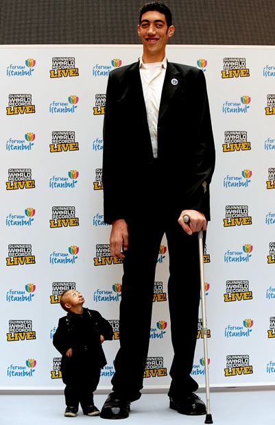 tallest man sultan kosen with shortest man romeo dev