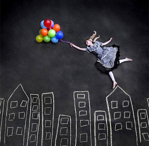 Girl-fly-to-catch-ballon