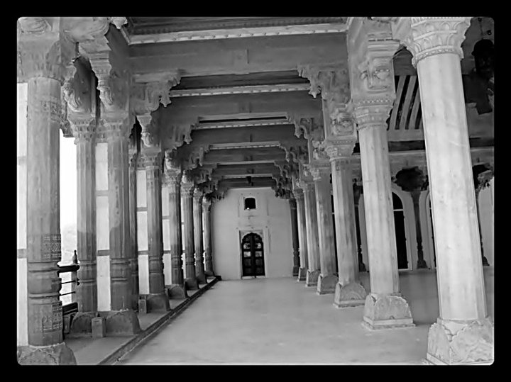 Inside-palace-in-jaipur