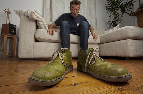 shoe-size-forced-perspective-photos