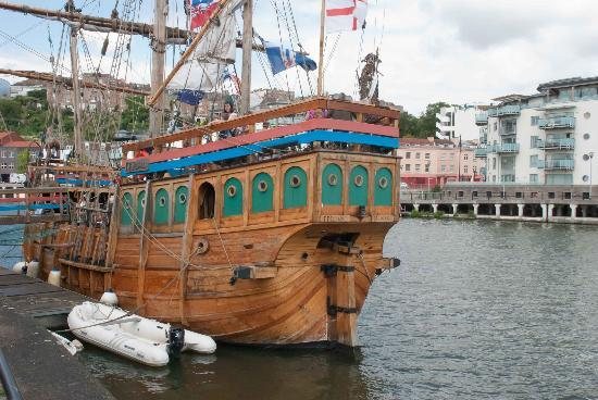stern-of-the-matthew-john-cabot-ship