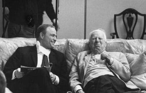 Marlon-Brando-laugh-with-Charlie-Chaplin-rare-collection