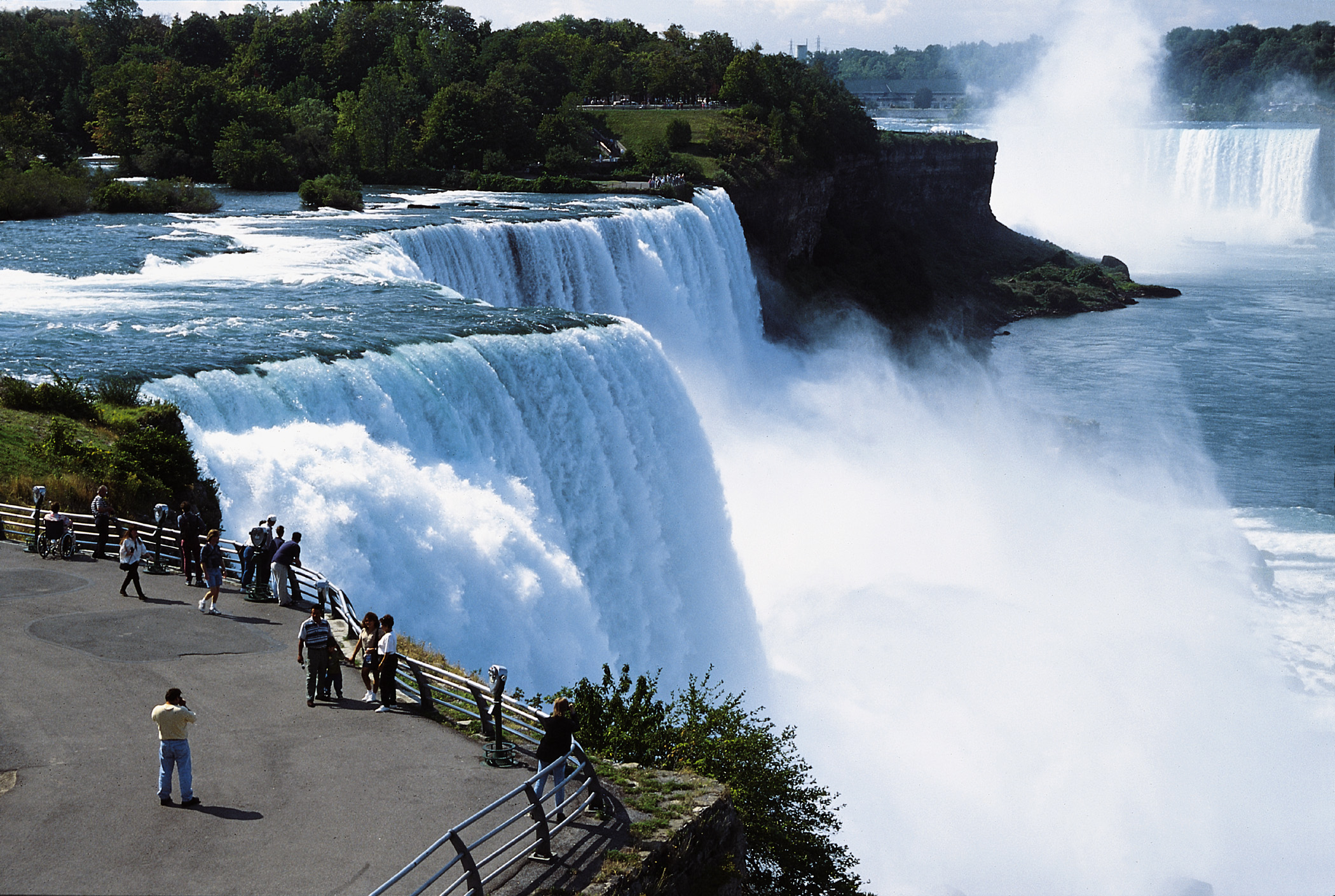 Niagara-Falls-amazing-photos-sunny-day