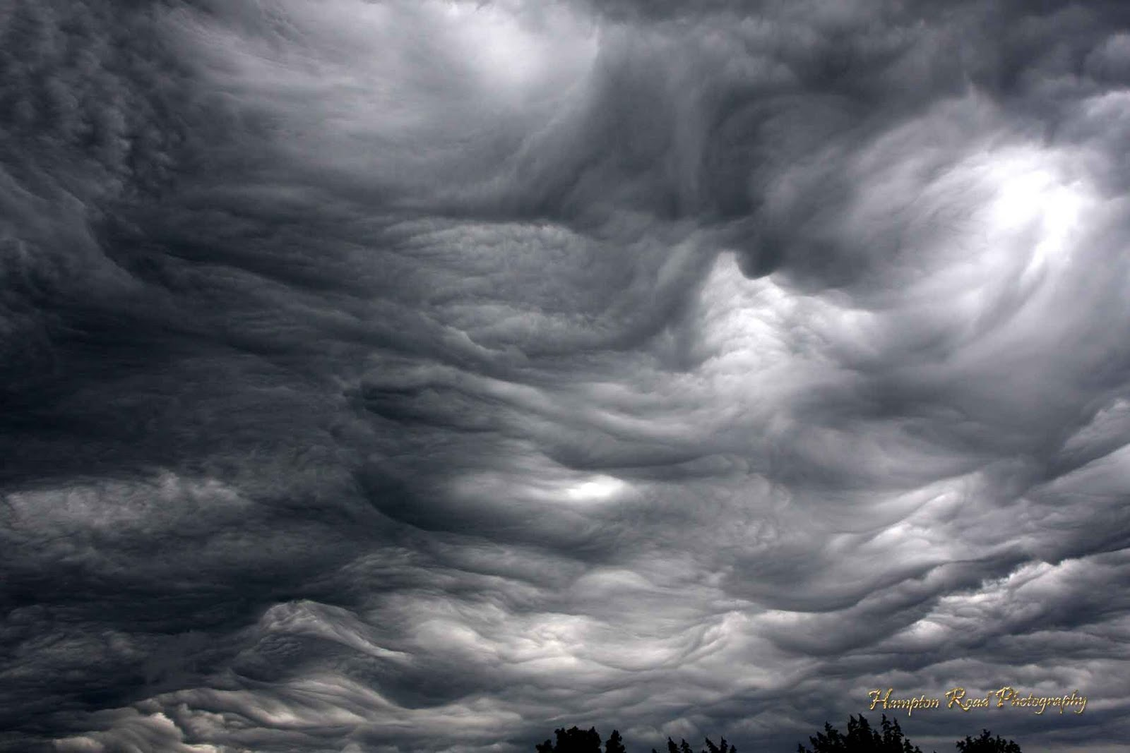 Undulatus-asperatus-looks-like-sea-wave