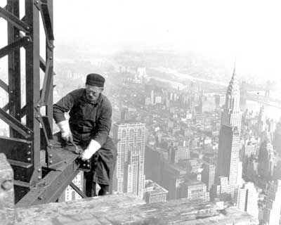construction-of-Empire-State-Building-going-on-1930