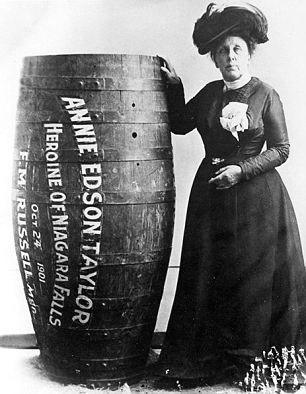 first-person-cross-niagara-falls-in-barrel-annie-edson