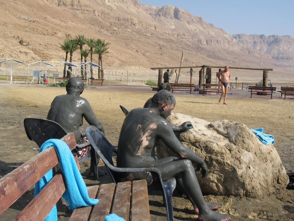 mud-bath-in-dead-sea