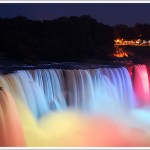 niagara-falls-light-show-in-evening