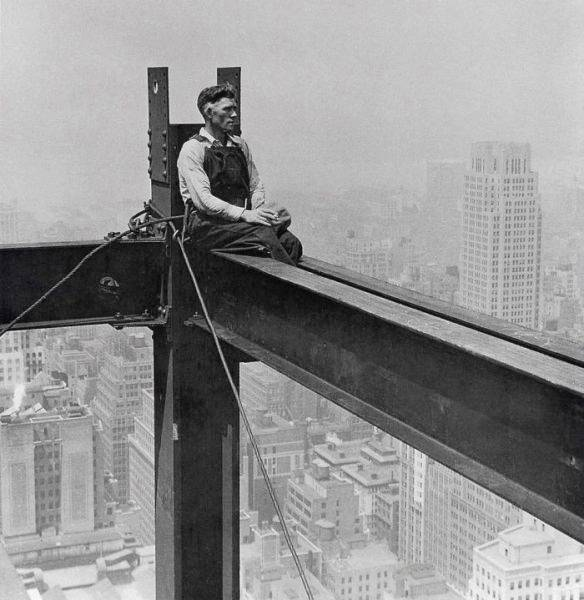 one-workers-looked-at-New-York-1930