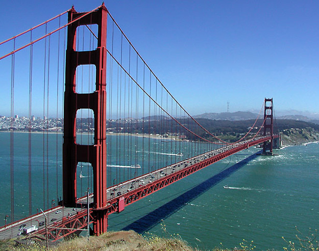 Golden-Gate-Bridge-amazing-looks-in-day