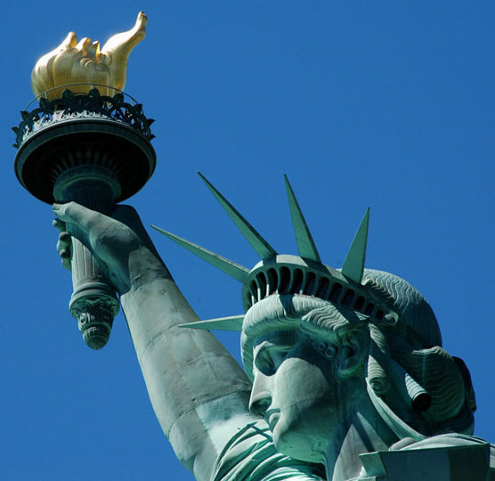 Greenish-coloured-Statue-of-Liberty-with-torch-and-head